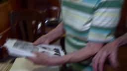 Echte zusterliefde: 90-jarige Bets en Nel uit Raamsdonk vieren 90ste verjaardag wéér samen