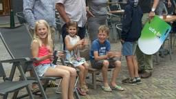 Deelnemers Nijmeegse Vierdaagse krijgen warm onthaal in Grave, Mill en Cuijk
