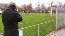 Extreme voetbalfan Bas Tukker uit Breda bezocht bijna 1700 verschillende voetbalclubs