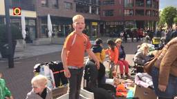 Guillaume blijft maar schreeuwen op de vrijmarkt in Etten-Leur.