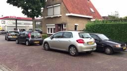 In de rij voor goedkope benzine in Rijen