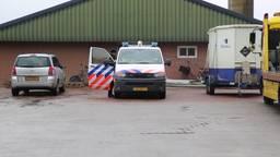 Alweer inval bij mestvervoerbedrijf in Wintelre, volgens politie gaat het om mestfraude (Beeld: SQ Vision)