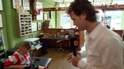 Cristiano (7) heeft enorme 'PSV-tattoo' op zijn buik: 'Mijn vader wilde het graag'