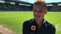 Sydney van Hooijdonk tekent drie jaar contract bij NAC Breda
