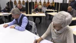 Kluun schrijft Grôot Dikteej van de Tilburgse Taol