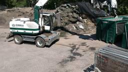 Zo wordt de kunstgrasmattenberg bij TUF in Dongen vernietigd: over 40 weken is alles weg