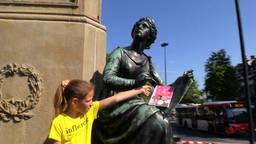 Kinderen worden slimmer van lezen dus zwerven er kinderboeken door Tilburg
