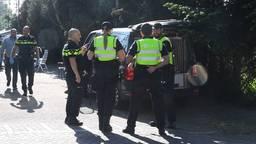 Politie op zoek naar wapens op woonwagenkamp in Maarheeze