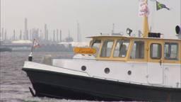 Schipper (73) redt 4 mensen uit Hollands Diep