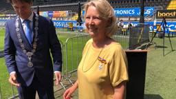 NAC-omroepster Annie van Hooijdonk krijgt een lintje.