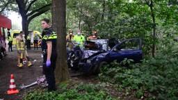 Drie gewonden bij ernstig ongeluk in Vlierden, bestuurder geboeid afgevoerd op brancard