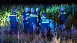 Man bedreigt mensen in Eindhovense Aldi met bijl en kan ondanks massale politie-inzet ontkomen