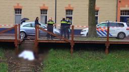 Man overlijdt na val van trap bij Zuid-Willemsvaart in Den Bosch, omstanders maken filmpjes