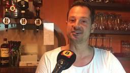Barkeeper Kristian van Eenennaam uit Breda gaat tijdelijk in de zorg werken.