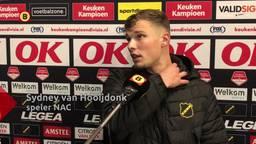 NAC-spits Sydney van Hooijdonk baalt na de verloren wedstrijd tegen NEC.