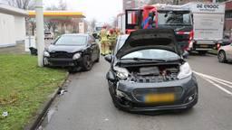 Twee gewonden na botsing in Roosendaal