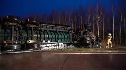 Vrachtwagen gekanteld bij Gilze, weg naar A58 tot de middag dicht