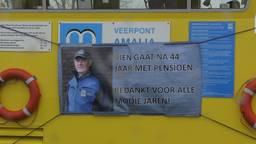 Na 44 jaar heen en weer varen gaat pontbaas Rien Koopmans met pensioen