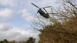De Chinook-helilopter vliegt af en aan tussen Mastbos en Gilze-Rijen