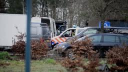 Groot drugslab ontdekt bij hoveniersbedrijf, politie zet pantservoertuig in