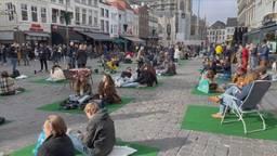 Grote picknick in binnenstad van Breda als actie tegen lockdown van de horeca