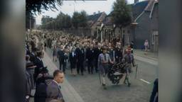 Emiel Verwijst kleurde unieke filmbeelden van herdenking Kamp Vught in