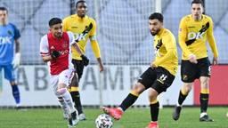 Keeper Nick Olij baalt van gelijkspel van NAC tegen Jong Ajax.