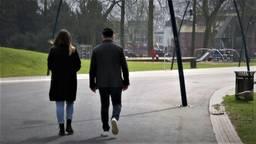 Studenten in Breda gaan samen wandelen tegen de eenzaamheid door coronmaatregelen