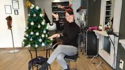 Witte kerst in april in kapsalon van Ellen uit Gemert