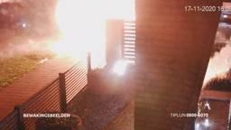 Vuurwerkbom op de oprit in Schijndel