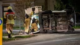 Gewonde bij botsing bestelwagen en auto in Fijnaart