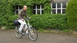 Technicus  Daan Aarts is blij met het bezoek van Niels Mureau