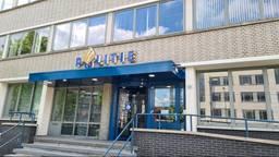 Politiebureau in Helmond ontruimd nadat iemand explosief komt afgeven