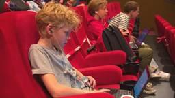 Na half jaar les in de bioscoop kan 12-jarige Jip bijna terug naar school