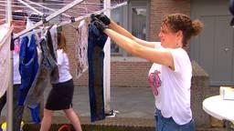 Boze omwonenden zijn stank beu en hangen poepkleding op de markt in Zeeland