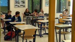 Middelbare school gaat maar half open en de leerlingen vinden het prima