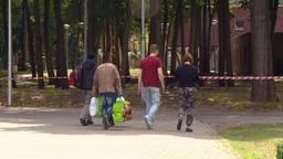 Buurtbewoners azc Overloon zijn de opvang van vluchtelingen liever kwijt dan rijk