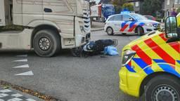 Scooterrijder aangereden door vrachtwagen in Bergeijk