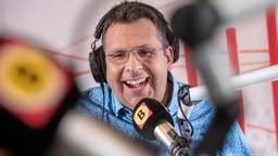 Afslag Zuid is het avondspitsprogramma van Omroep Brabant waarin Kristian Westerveld met jou het nieuws van de dag doorneemt. Je kiest je eigen fileplaatje, bepaalt mee wie de Brabander van de dag is en je maakt ook nog kans op een prijs. Ook geeft iemand van de 'Raad van elf' elke dag zijn of haar eigen kijk op het nieuws. Je hoort de beste muziek van toen en nu en blijft op de hoogte van weer en verkeer.