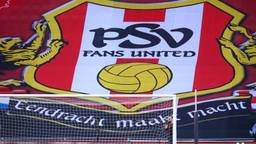 Spandoek van PSV Fans United (Foto: OrangePictures)