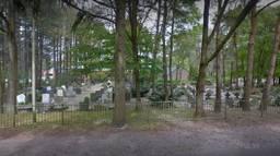 Op de begraafplaatsen in Bergen op Zoom wordt gezocht naar bommen uit de Tweede Wereldoorlog (Foto: Google Streetview)