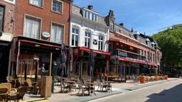 In Tilburg staan de meeste terrassen er al keurig bij. Foto: Linda Koppejan