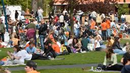 Enorme drukte in Park Valkenberg in Breda (foto: SQ Vision)