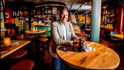 Laurens Meijer in zijn horecazaak Moeke in Enschede. (foto: ANP)
