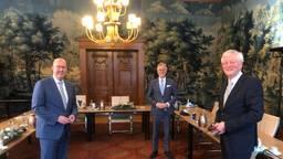 Burgemeesters gaan aan de ranja en de thee en hopen op rustige jaarwisseling