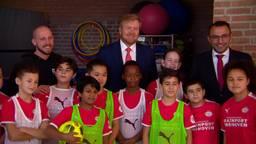 Koning Willem-Alexander bezoekt de Eindhovense volkswijk