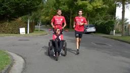 Katrien, Ruben (l) en Henri in training voor de marathon Eindhoven