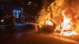 De brandweer bluste het vuur in Veen (foto: SQ Vision).