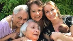 De trotse vrouwen samen (foto: Harrie Blankers)