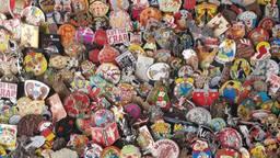 Volgens Robbert heeft iedere pin of button zijn eigen bijzondere verhaal.